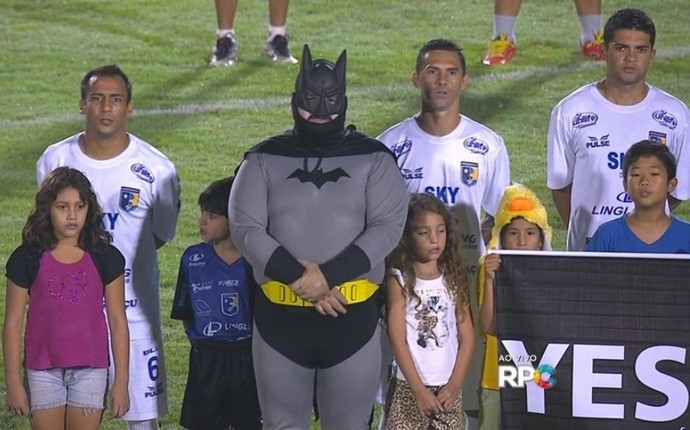 Batman Foz do Iguaçu Coritiba (Foto: Reprodução/RPC TV)