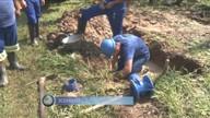Carro atinge adutora em Joinville e moradores ficam 4h sem água