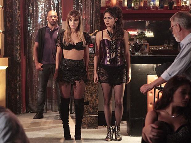Morena faz sua estreia na boate (Foto: Salve Jorge/TV Globo)