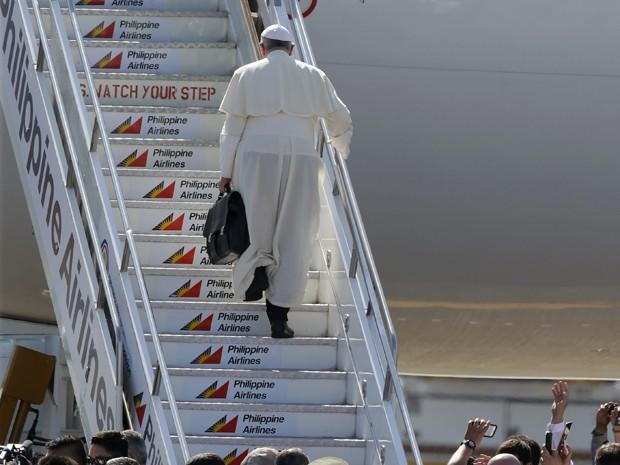 Papa Francisco deixa Filipinas após visita de 5 dias (Foto: AP Photo/Bullit Marquez)