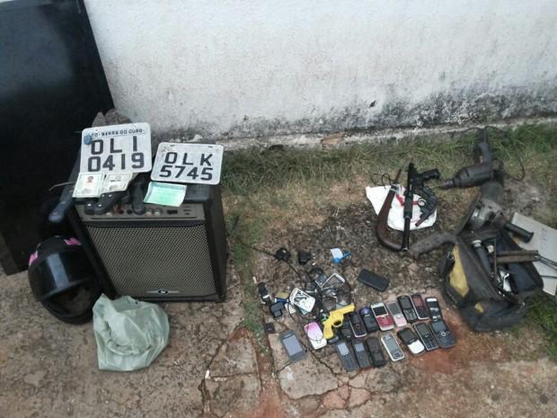 Produtos apreendidos na casa de Antônio Pereira, preso em Araguaína (Foto: Polícia Militar/Divulgação)
