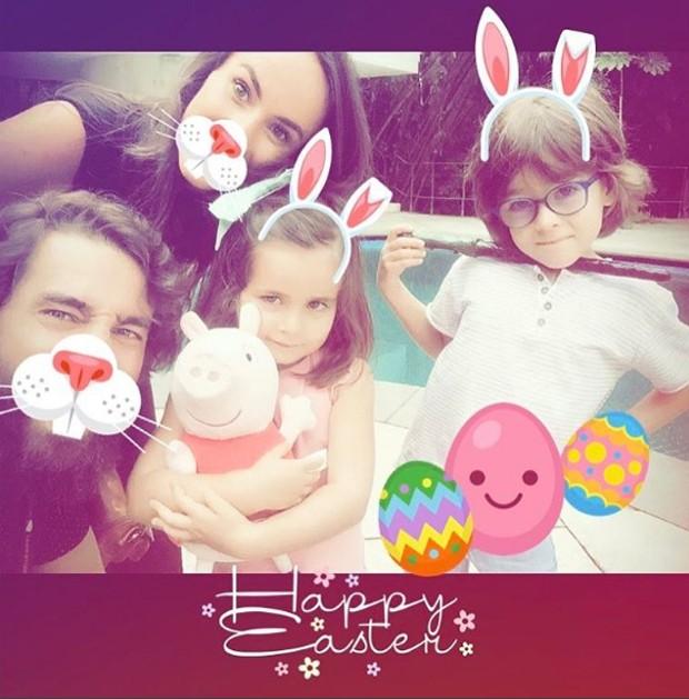 Ricardo Pereira e Francisca Pinto com os filhos (Foto: Reprodução)