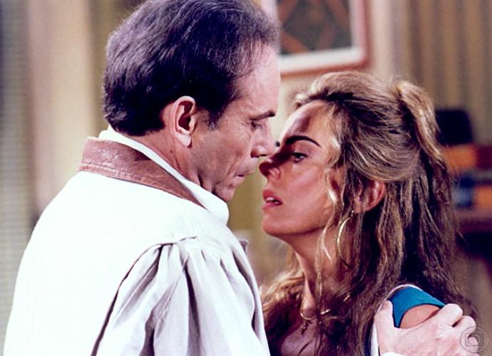 Em O Fim do Mundo, Bruna Lombardi interpretou a personagem Gardênia (Foto: Cedoc / TV Globo)
