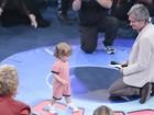 Serginho Groisman recebe o filho Thomas no 'Altas Horas'
