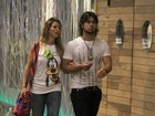 Dany Bananinha vai ao cinema com namorado sertanejo