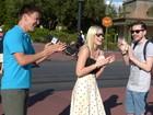 Pedido de casamento em frente ao castelo (Melina Mantovani / Gshow)