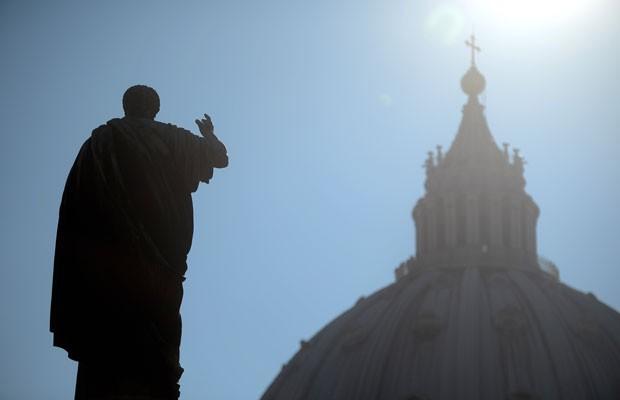 Basílica de São Pedro vista dos jardins do Vaticano (Foto: Filippo Monteforte/AFP)