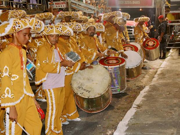 Cinco escolas de samba desfilaram no domingo (15) na Avenida Duarte da Silveira (Foto: Manoel Martiliano/Secom-JP)