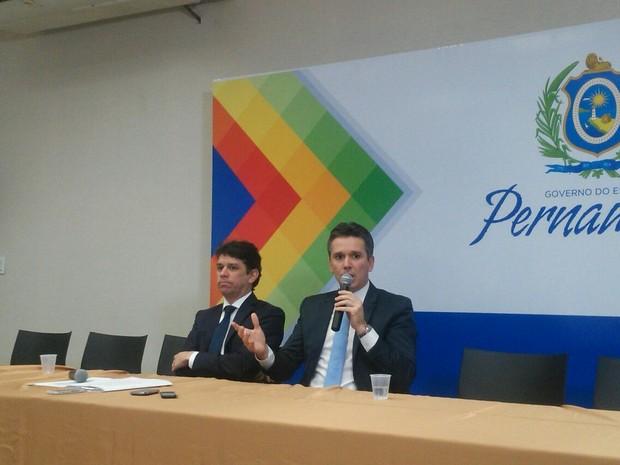 Anúncio foi feito pelo procurador geral do Estado, César Caúla, e pelo secretário de Turismo, Esportes e Lazer, Felipe Carreras (Foto: Marina Meireles/G1)