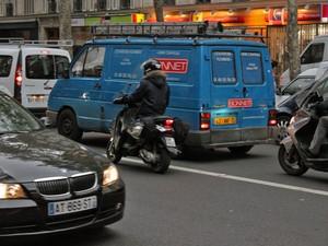 Apesar de não ser liberada em toda Europa, motociclistas costumam circular nos corredores (Foto: Rafael Miotto/G1)