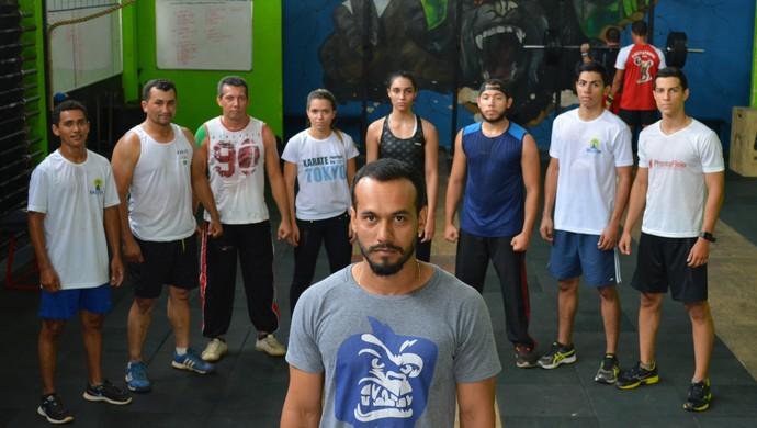 Karatecas aderem crossfit para se preparar para o Brasileiro (Foto: Jheniffer Núbia)