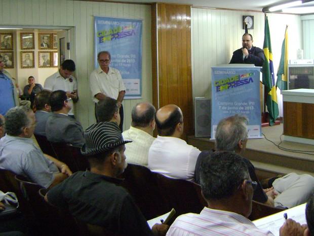 Vice-governador Rômulo Gouveia compareceu à abertura do 'Cidade Expressa' (Foto: Taiguara Rangel/G1)