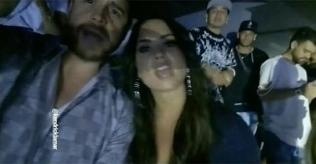 Demi Lovato com amigo e Neymar no show de rapper (Foto: Reprodução/Instagram)