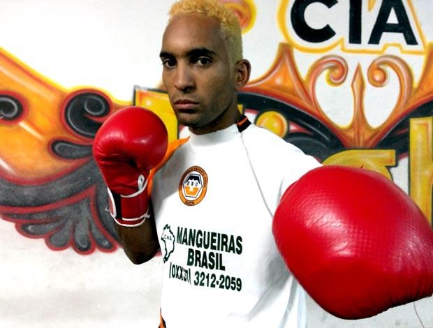 Edipo Herbert de Lima, Pow, lutador de kickboxing de Divinópolis MG (Foto: Cleber Corrêa)