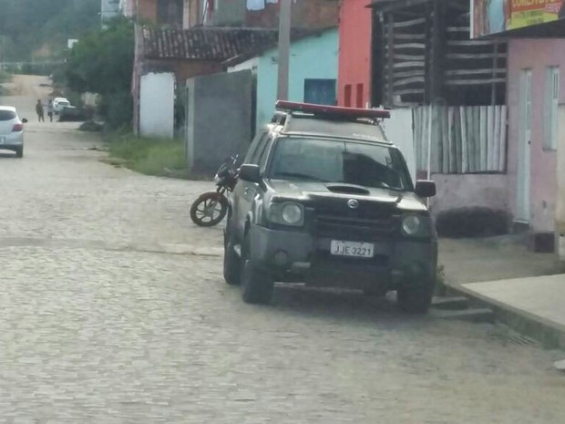 PF cumpre mandados de prisão e busca na Bahia (Foto: Giro em Ipiaú)