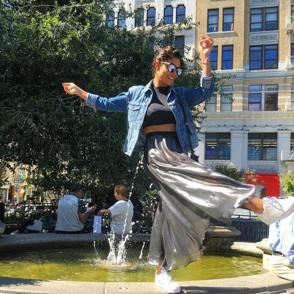 Juliana Paes se diverte pelas ruas de Nova York (Foto: Reprodução/Instagram)