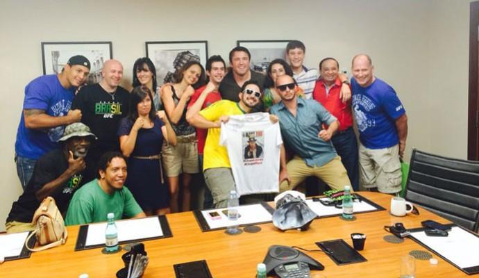 MMA Fã Clube Sonnen em São Paulo - Sonnen e fã Jerônimo Fonseca (Foto: Divulgação)
