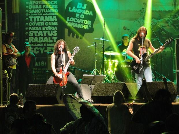 Show de rock animam público no Encontro de Motos de São Pedro da Aldeia, RJ (Foto: Divulgação)