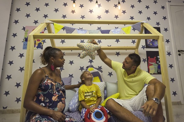 Roberta Rodrigues apresenta o quarto do enteado Gabriel (Foto: Grão de Gente / Divulgação )