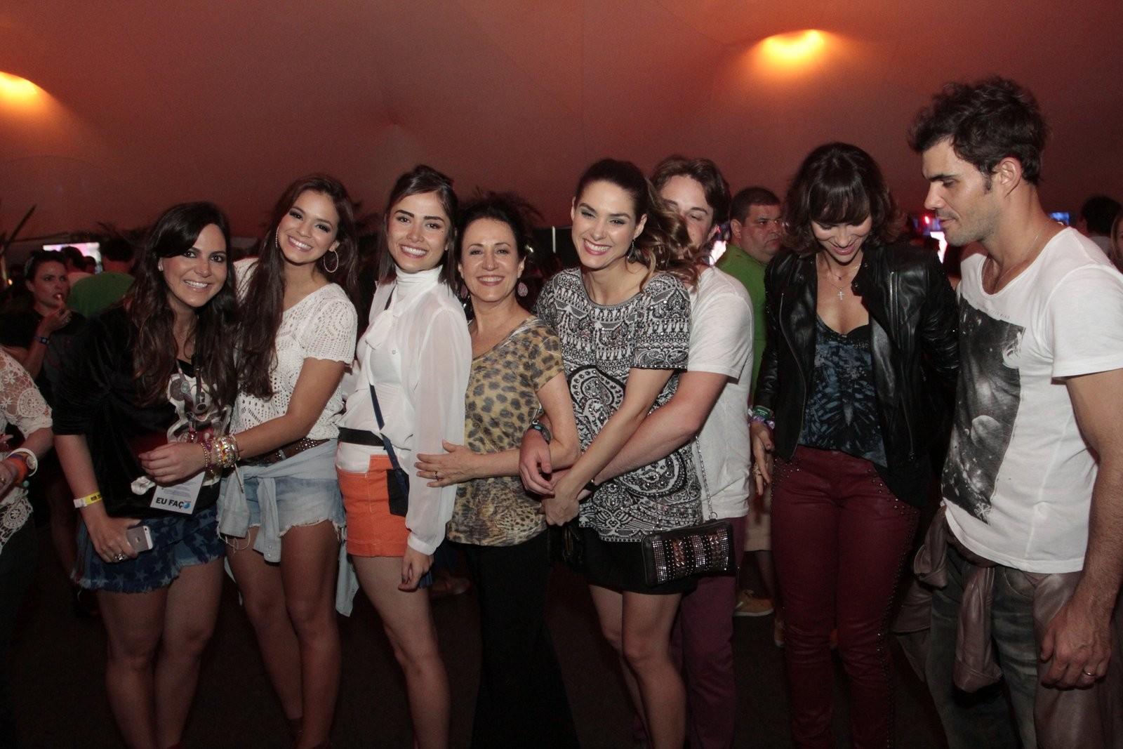 Bruna MArquezine foi protegida pelas atrizes (Foto: REginaldo Texeira / Revista QUEM)
