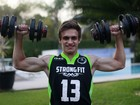 Vittorio, filho de 16 anos de Luigi Baricelli, segue dieta radical