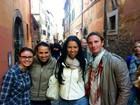 Ex-BBB Ariadna é reconhecida por brasileiras nas ruas de Roma