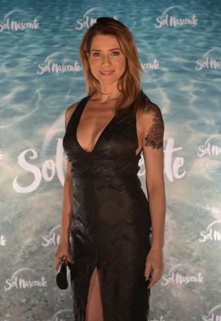 Leticia Spiller volta à TV como roqueira tatuada em Sol Nascente (Foto: Globo / Estevam Avellar)