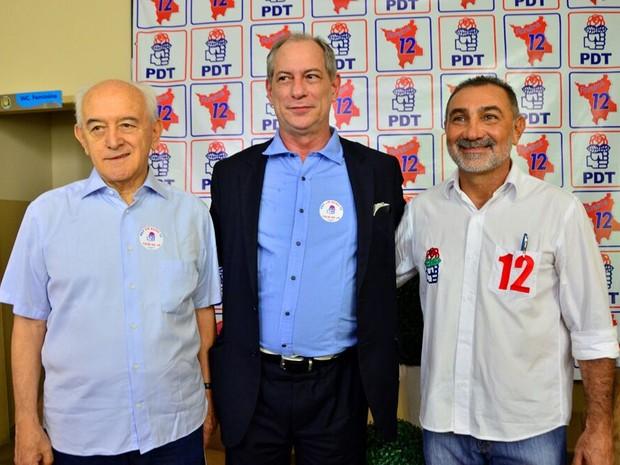 O ex-ministro do Trabalho e Emprego Manoel Dias,Ciro Gomes e Telmário Mota, que se reelegeu (Foto: Ascom/divulgação)