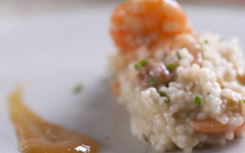 Mini arroz com camarão e trilogia de caju