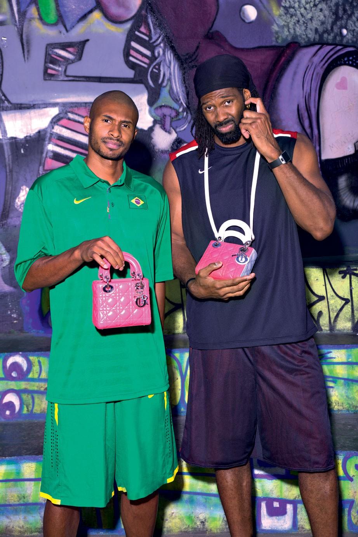 Leandrinho e Nenê, da Seleção Brasileira de Basquete (Foto: Manuel Nogueira/Vogue Brasil)