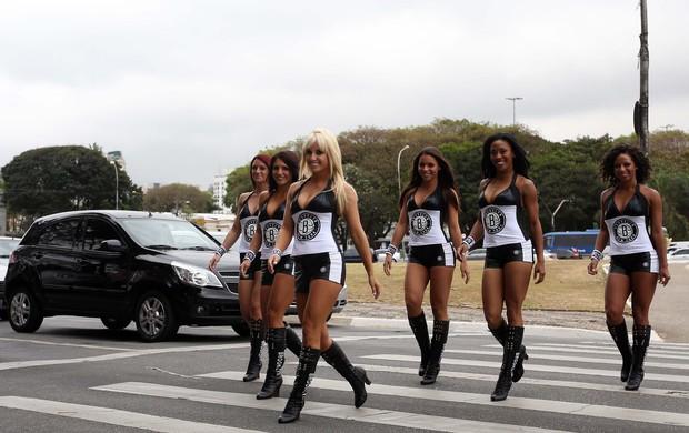Dançarinas Nets NBA (Foto: Gaspar Nóbrega / Inovafoto)