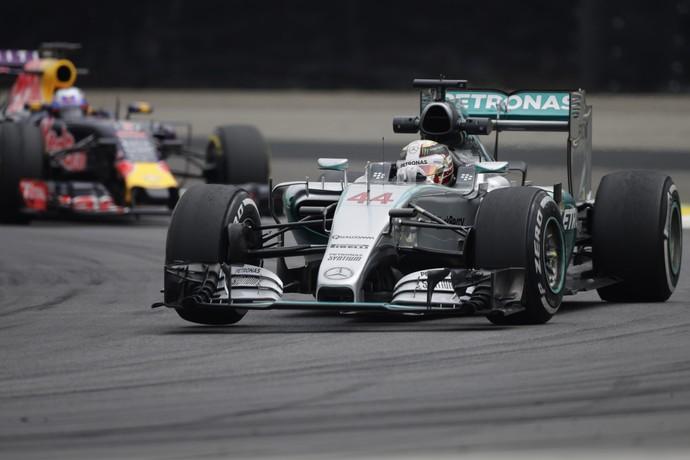 Lewis Hamilton treino livre sexta-feira GP do Brasil formula 1 (Foto: EFE)