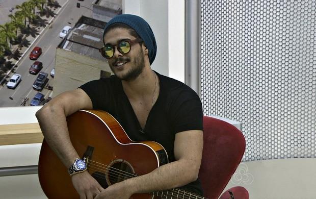 Lucas Macenna se apresenta neste sábado (5), em uma casa de shows de Rio Branco (Foto: Acre TV)