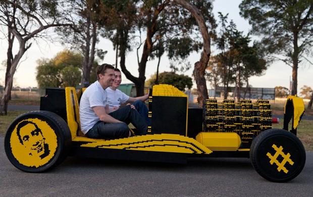 Carro feito de Lego pode chegar a 30 km/h (Foto: Divulgação)