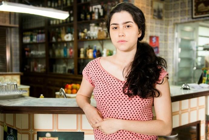 Olívia Torres na pele de Debora, a irmã 'correta' e centrada de Cassandra, vivida por Juliana Paiva (Foto: Globo/João Miguel Júnior)