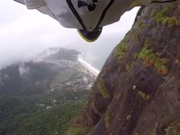 Fernando Gonçalves postou vídeo de salto de wingsuit na quarta-feira (22) (Foto: Reprodução / Facebook)