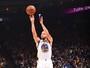Curry destrói da linha de três no 1º tempo, e Warriors humilham Hornets
