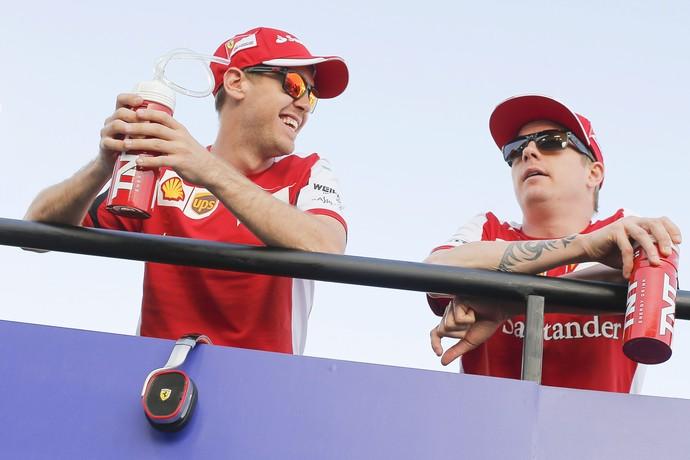 Sebastian Vettel e Kimi Raikkonen Ferrari (Foto: EFE)