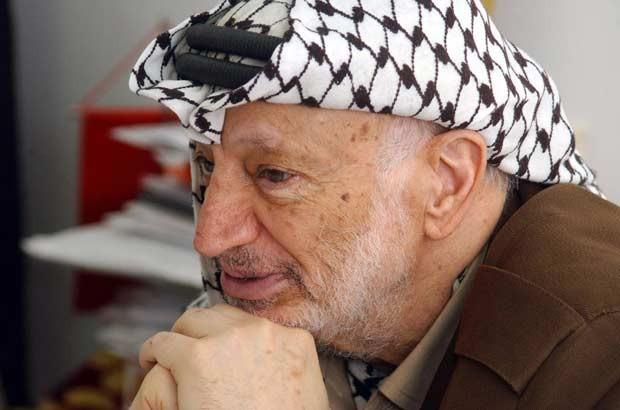 O líder palestino Yasser Arafat em 21 de abril de 2004 em Ramallah, na Cisjordânia (Foto: AFP)
