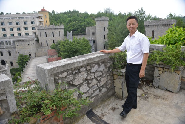 Liu Chonghua divulgou plano de construir 100 castelos. (Foto: Peter Parks/AFP)