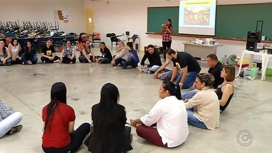 Professores participam de congresso internacional de educação em Votuporanga
