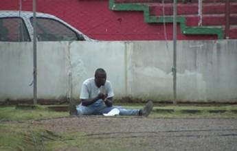 """""""Faz tudo"""" no Passo Fundo, senegalês chama atenção por orações em jogos"""