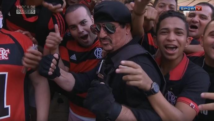 Sósia Stallone mercenários Maracanã (Foto: Reprodução SporTV)
