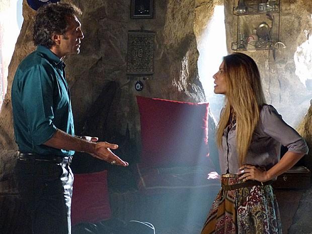 Bianca não acredita na reação de Zyah (Foto: Salve Jorge/TV Globo)