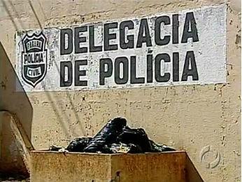Polícia investiga fuga de preso dentro de saco de lixo em delegacia no PR (Foto: Reprodução/RPCTV)