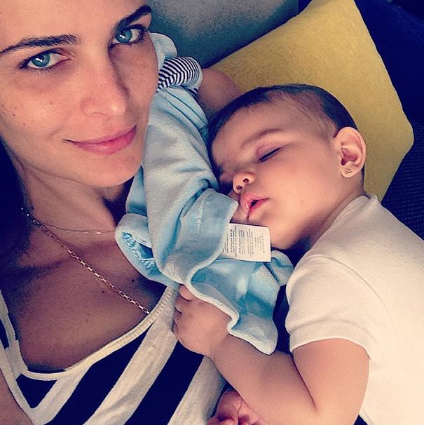 Fernanda Motta e a filha (Foto: Reprodução/Instagram)