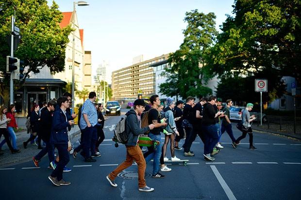 Pedestres no Japão (Foto: Getty Images)