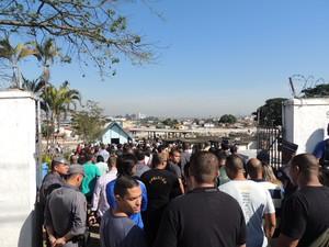 Enterro de soldado Rodrigo de Lucca foi realizado nesta quarta (Foto: Tatiane Santos/G1)