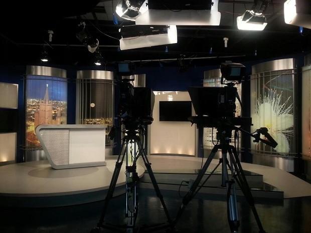Estúdio do MG Inter TV na sede da Inter TV Grande Minas em Montes Claros (Foto: Nicole Melhado/Inter TV)
