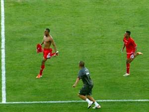Alexandre marcou no último minuto e deu vitória ao Boa (Foto: Devanir Gino / EPTV)